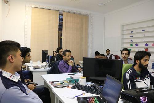 اولین نشست جامعه تجربه کاربری کرمان در لندیما برگزار شد